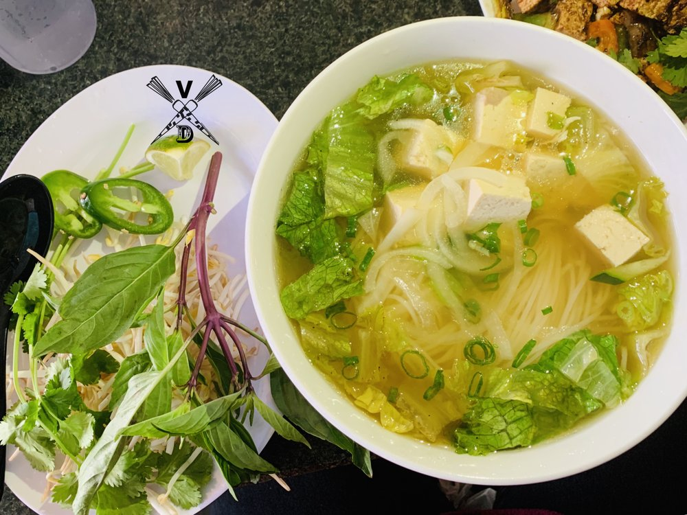 Let's Pho: 1701 Fairway Dr, Alvin, TX