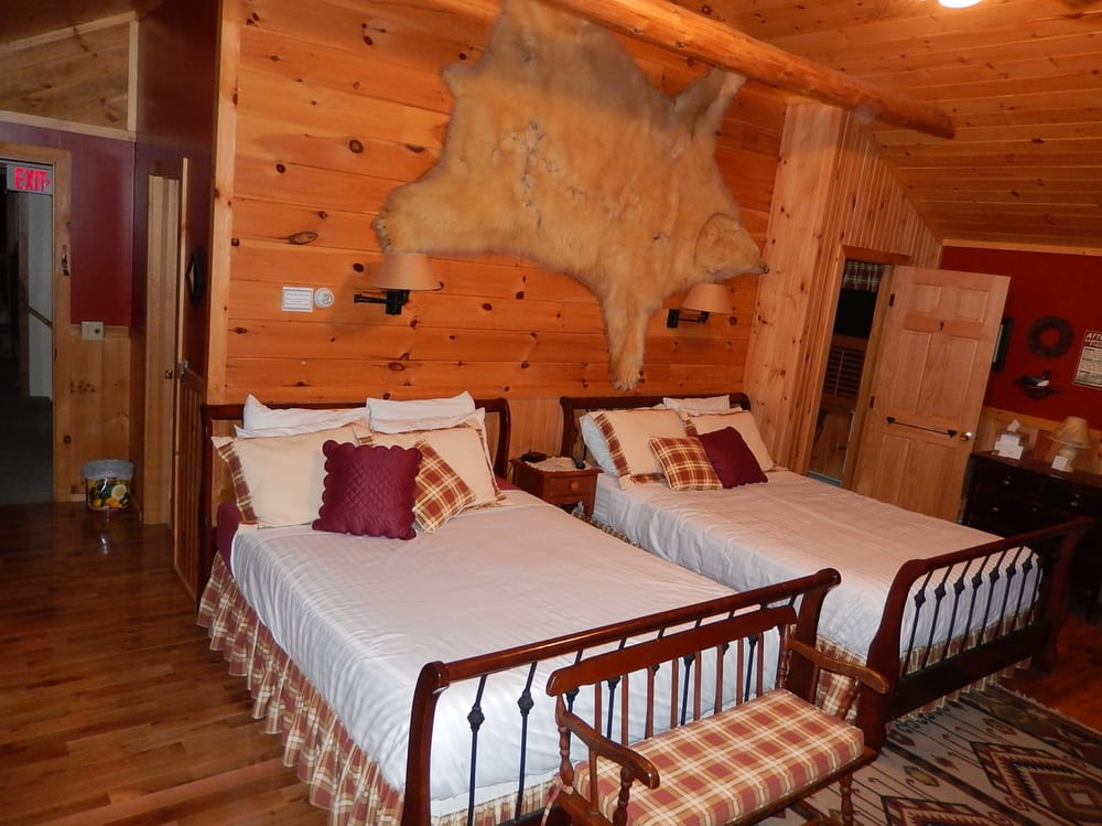 Kiwassa Lake Bed & Breakfast: 1150 Kiwassa Lake Rd, Saranac Lake, NY