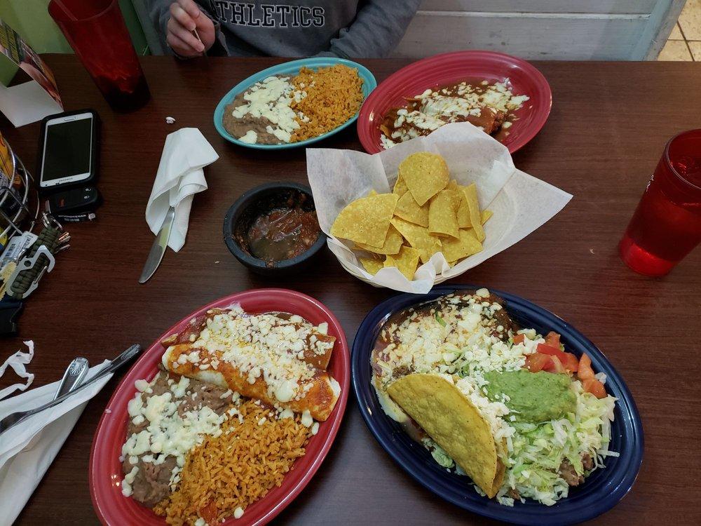 El Potro Mexican Restaurant: 320 S 7th St, Brainerd, MN