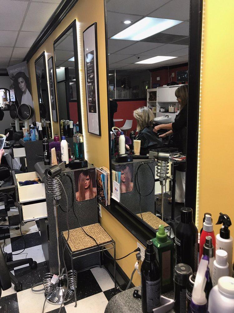 Wilma's Salon: 70 S Washington Ave, Bergenfield, NJ