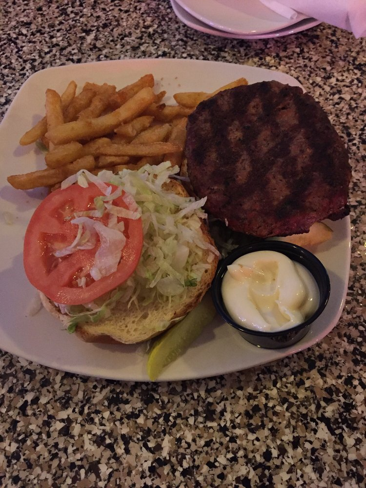 Chesterland Tavern: 8190 Mayfield Rd, Chesterland, OH