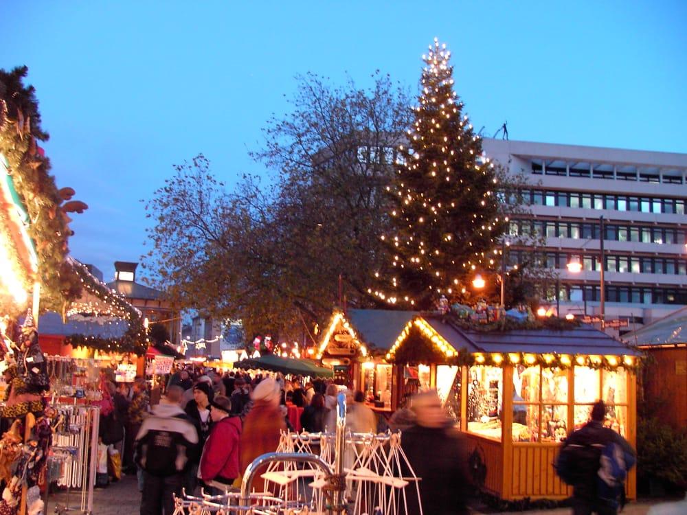 Pforzheimer Weihnachtsmarkt.Goldener Pforzheimer Weihnachtsmarkt Temp Closed 12 Photos