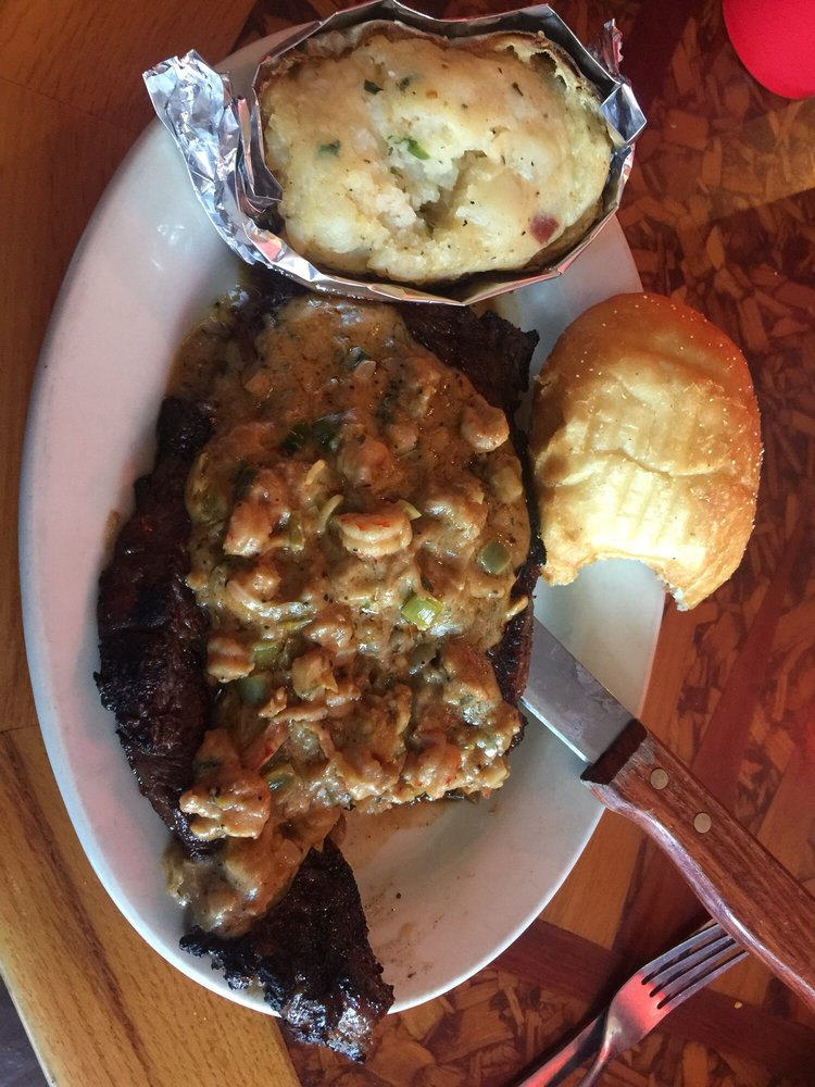 Papa's Bar & Grill: 604 Front St, Natchitoches, LA