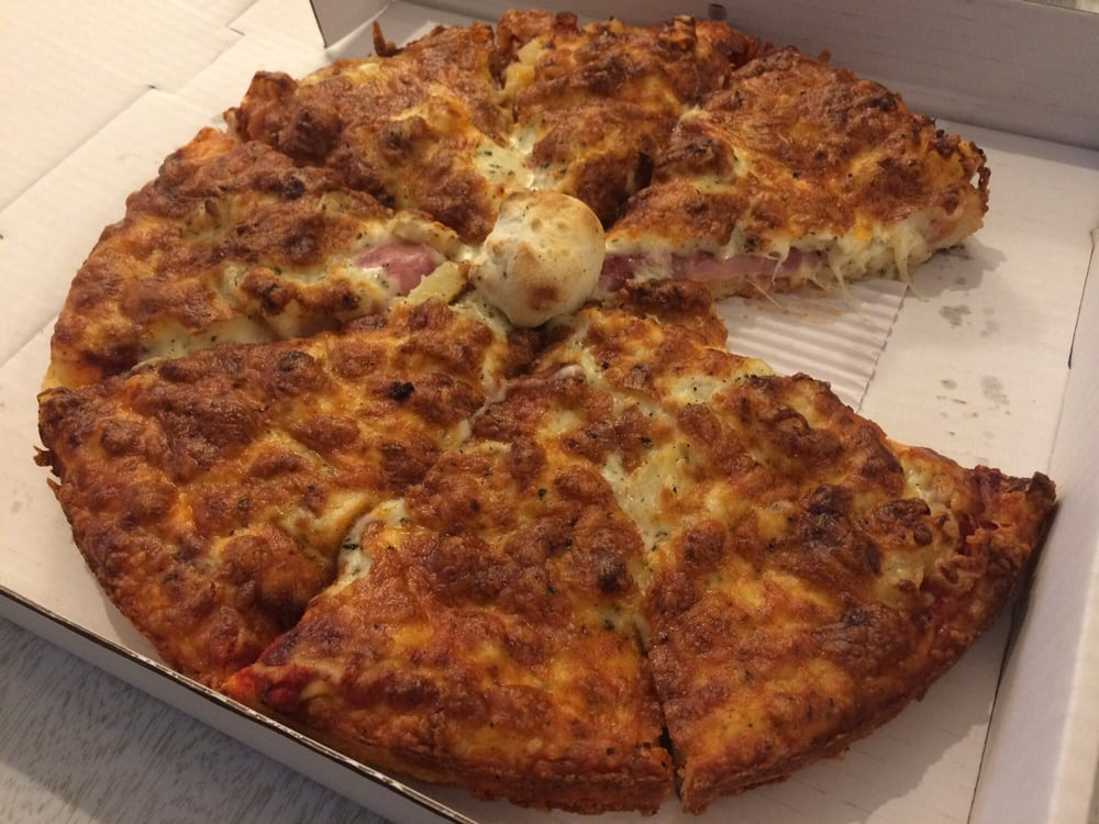 Thick Pizza This One S A Hawaiian The Blob In The