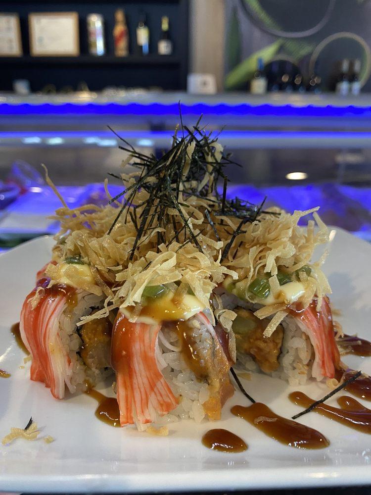 Kabuto Sushi & Grill: 5661 Red Bug Lake Rd, Winter Springs, FL