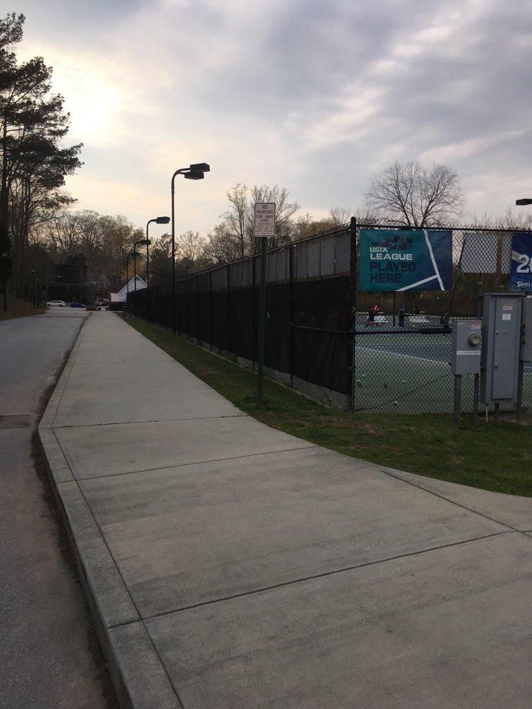 Glenlake Tennis Center