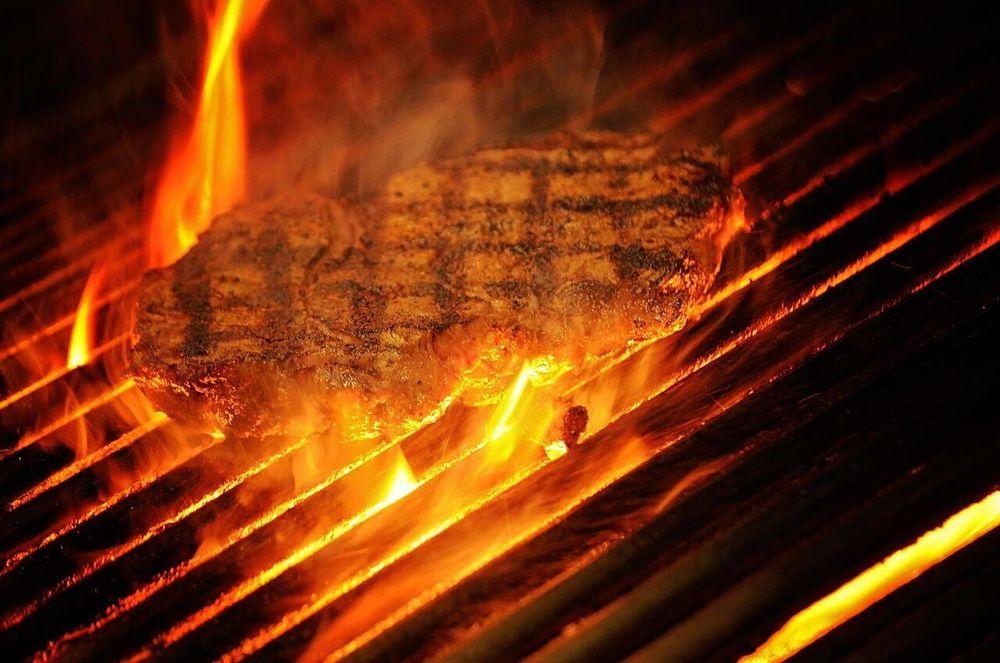 Ribeyes Steakhouse: 211 N Center St, Mount Olive, NC