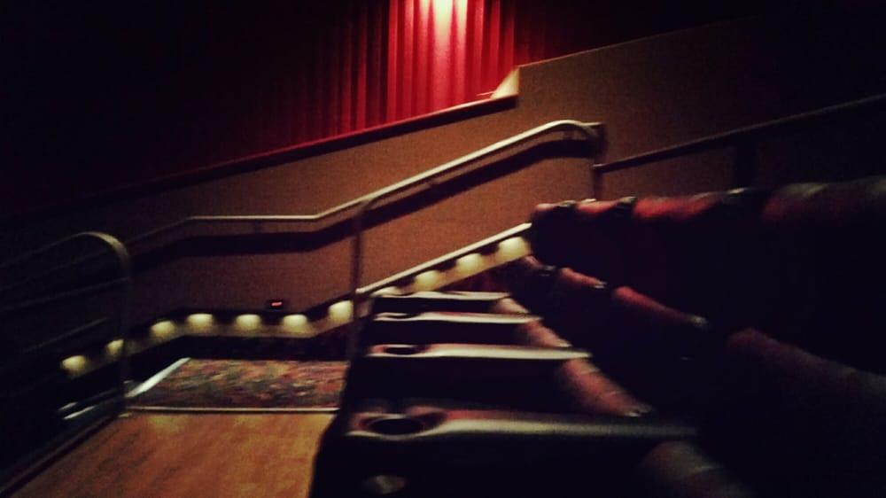 Reclining seats yelp for Regal theater garden grove