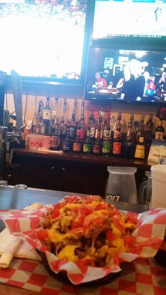 Splitz Sports Bar & Grille: 3825 E State St, Hermitage, PA