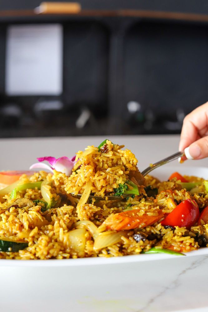 Baan Thai Cuisine & Bar: 3700 Cabelas Blvd, Lehi, UT