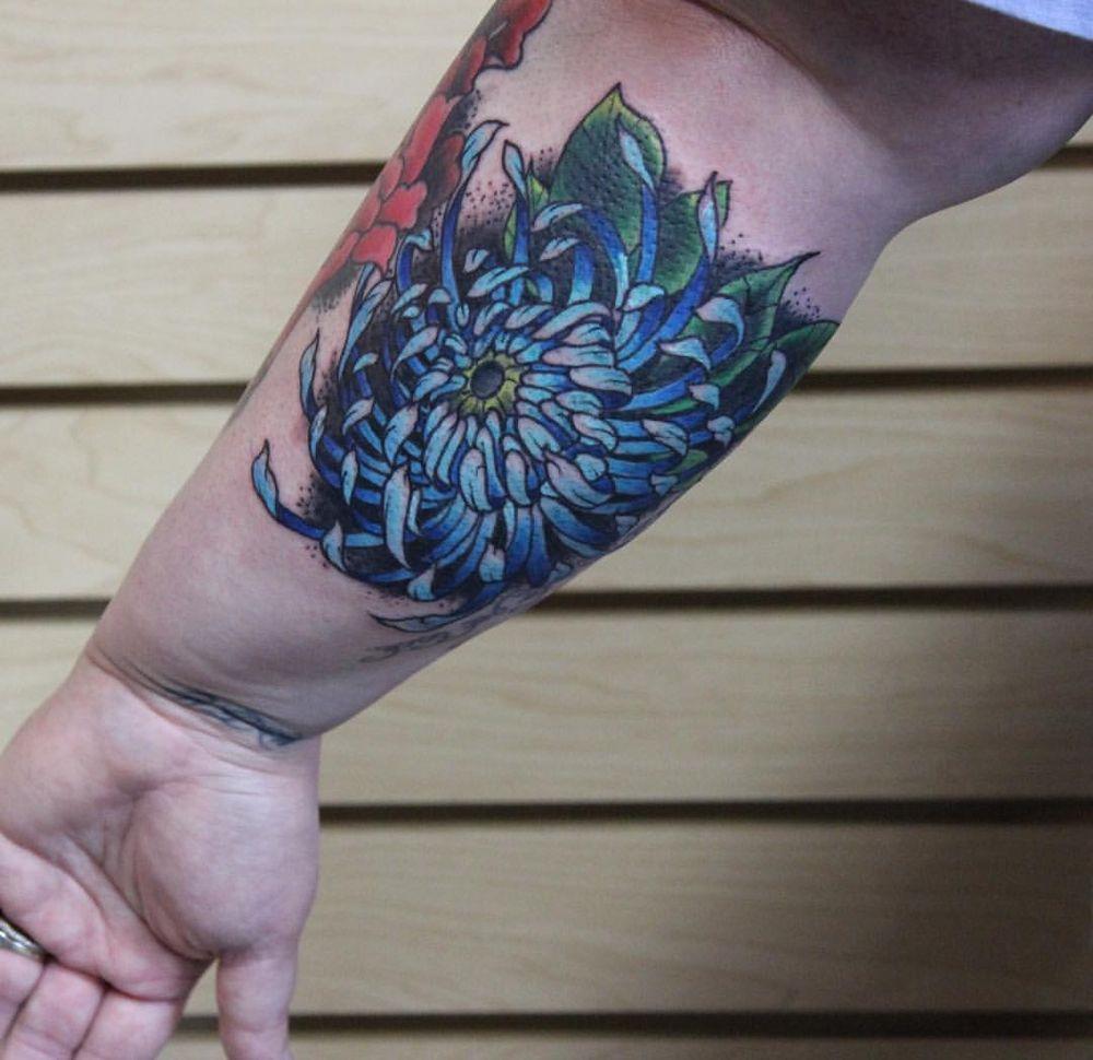 Ice house tattoo 13 foton tatueringar 339 n west ave for Tattoo fayetteville ar