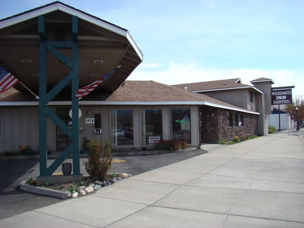 The Wilderness Inn: 301 W N St, Enterprise, OR