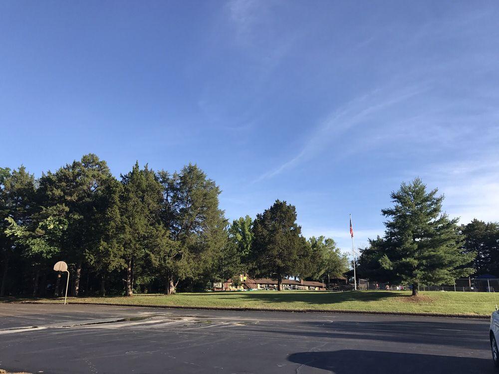 Sunnyhill Adventure Center: 6555 Sunlit Way, Dittmer, MO