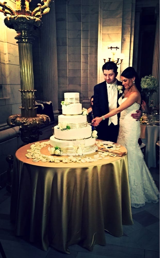 Beautiful cake! I forgot to bring our wedding cake topper but it ...