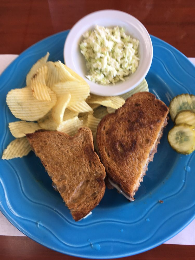 Shelley's Corner Cafe: 120 Commercial Way, Spring Hill, FL