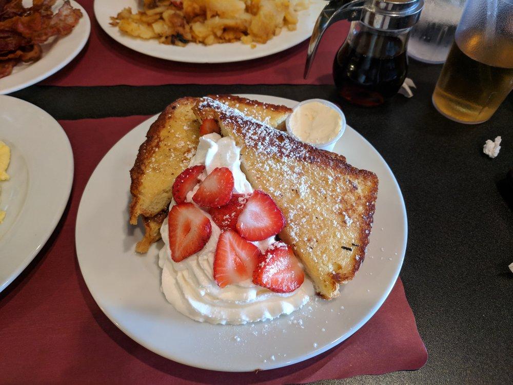 Lenora's Cafe: 18 W Front St, Keyport, NJ