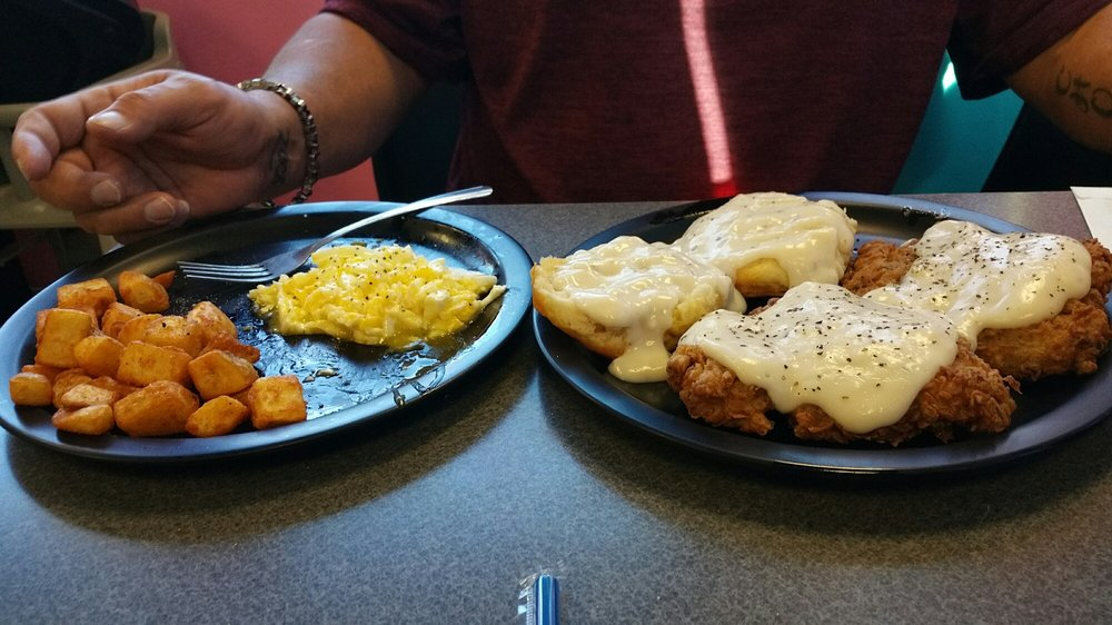 Angel's Diner: 1402 S George Nigh Expy, McAlester, OK