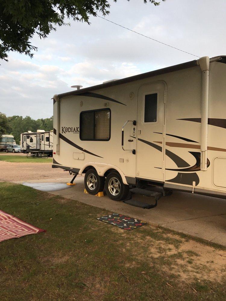 Ameristar RV Park: 765 Lucy Bryson St, Vicksburg, MS