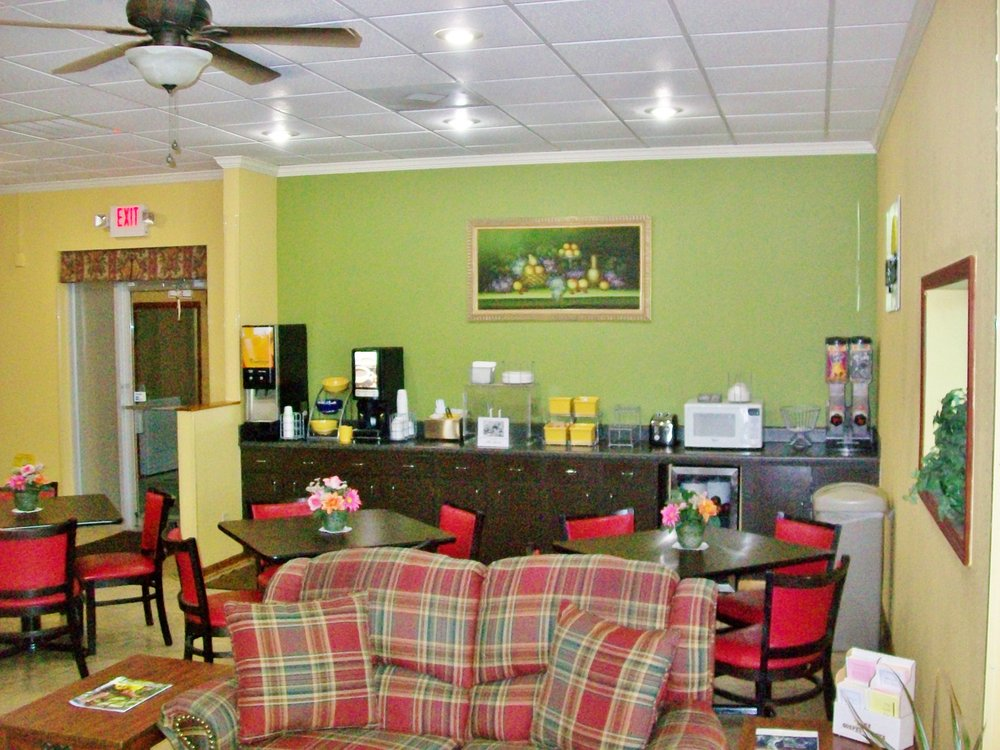 Americas Best Value Inn Pontotoc: 217 Hwy 15 N, Pontotoc, MS