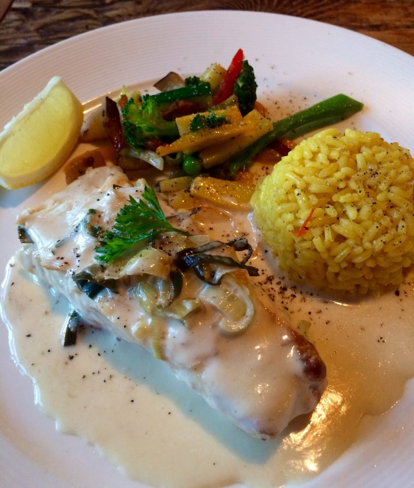 Last night 39 s special fresh halibut with white sauce with for Allez cuisine foods
