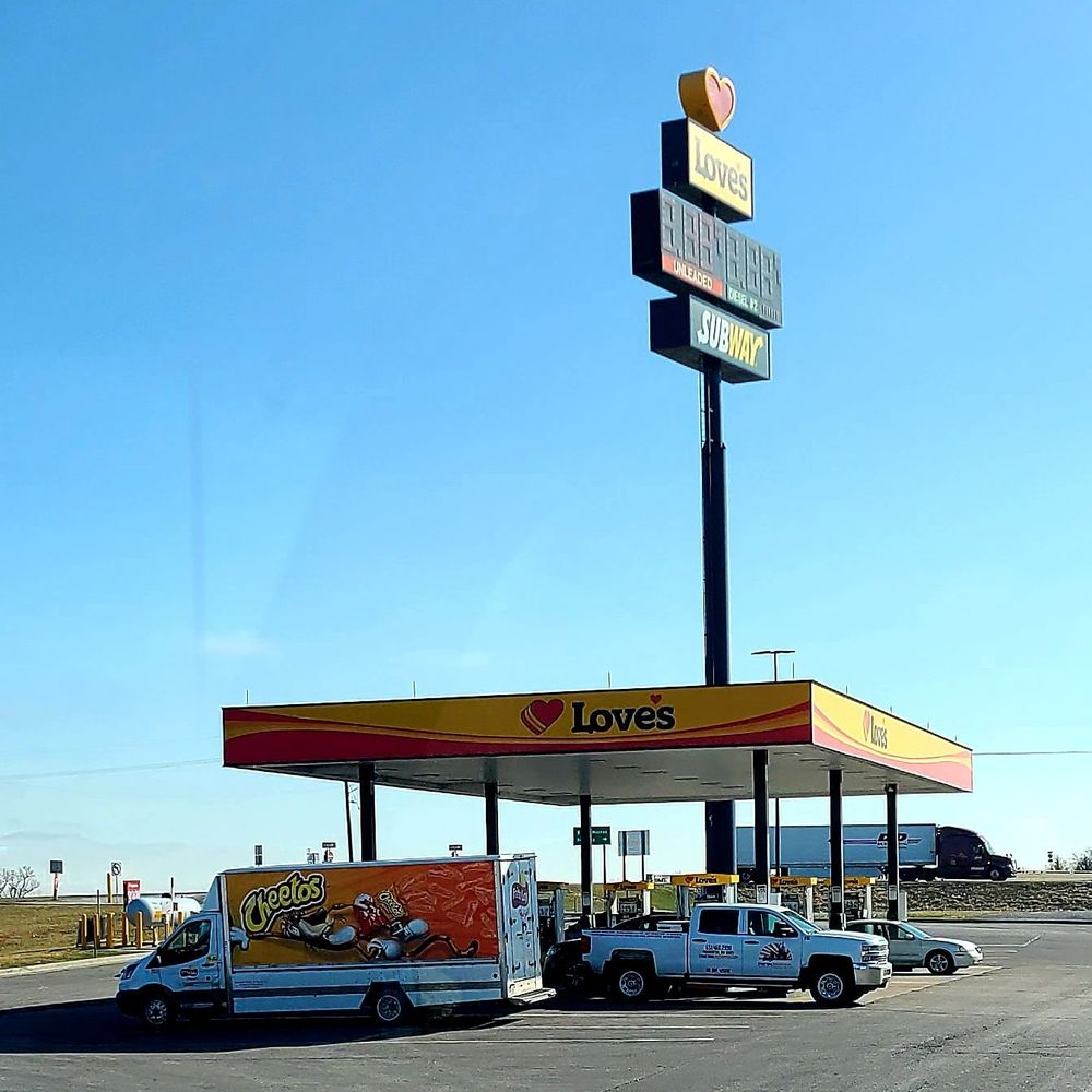 Love's Travel Stop: 21022 State Hwy N, Eagleville, MO