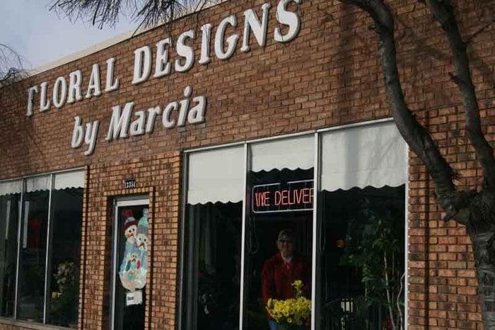 Floral Designs By Marcia: 13354 Dix Toledo Rd, Southgate, MI