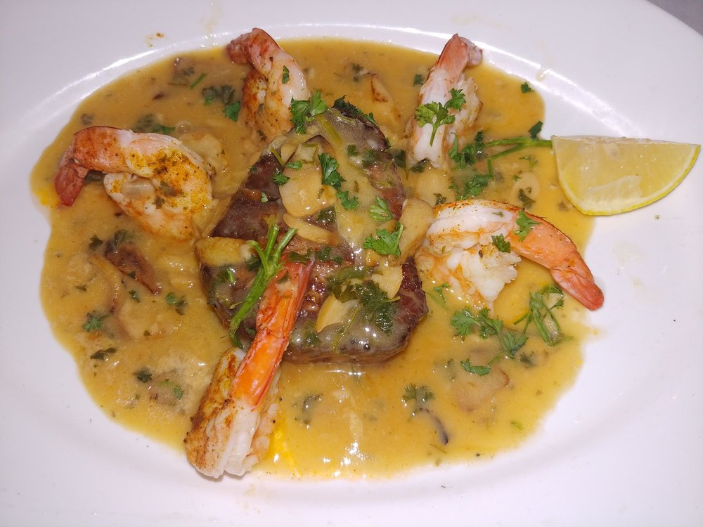 Pauline's Restaurant: 765 State Hwy 34 N, Matawan, NJ