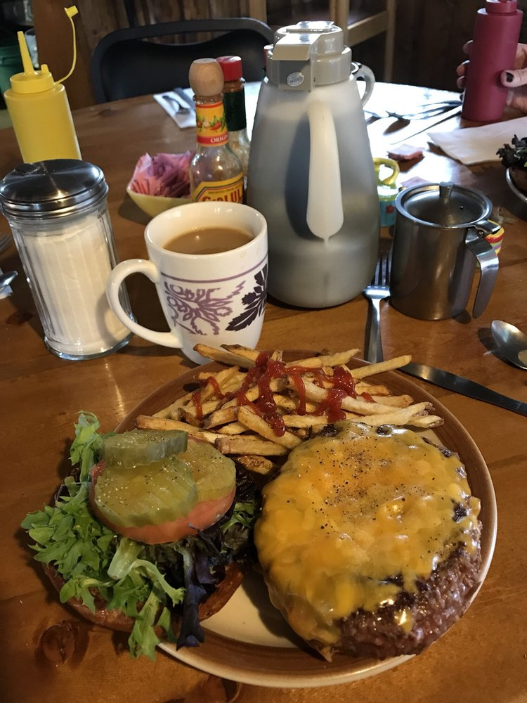 Meadow Mountain Cafe: 441 Business Hwy 7, Allenspark, CO