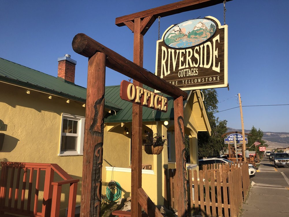 Yellowstone Riverside Cottages: 521 Scott St W, Gardiner, MT