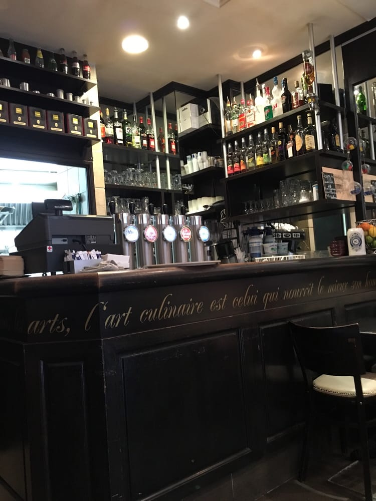 Le petit paris caf er 13 rue du temple ch telet les - Le comptoir du petit marguery paris 13 ...