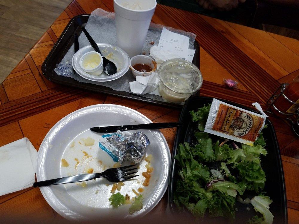 McKenzie's Barbeque & Burgers: 1501 N Frazier St, Conroe, TX