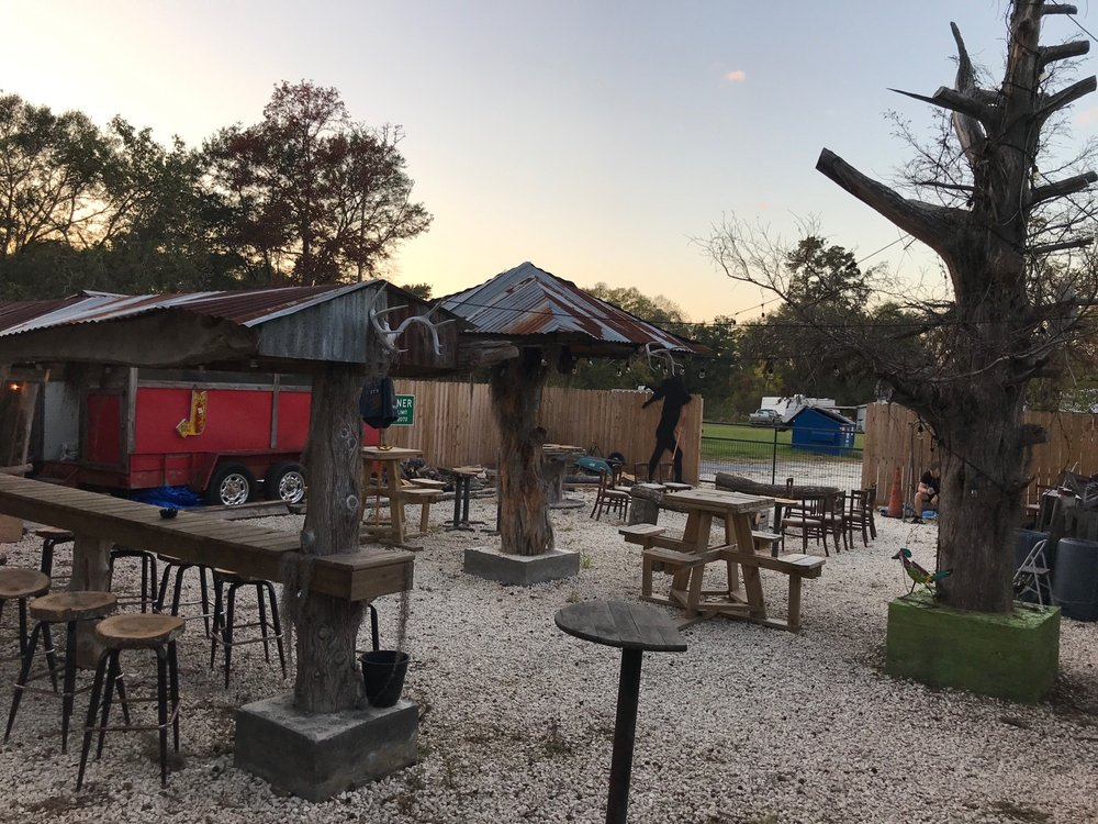 Soggy Bottom Saloon: 11325 Old Voth Rd, Beaumont, TX