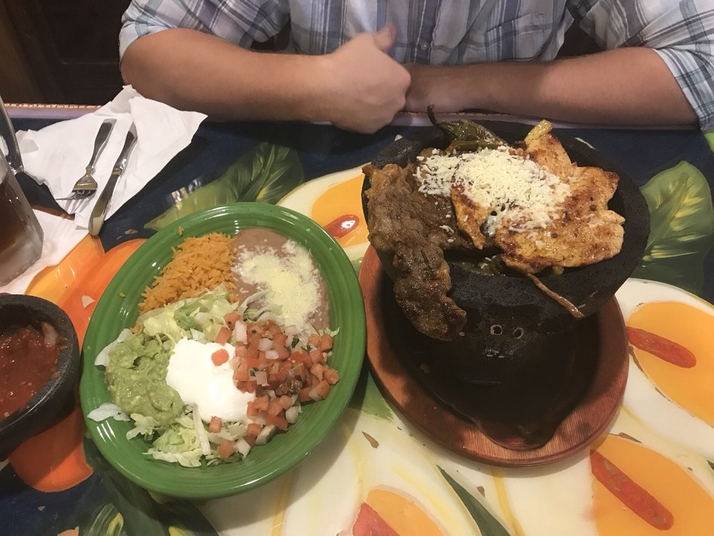 Los Ortizes Mexican Restaurant: 14068 Bank St, Becker, MN