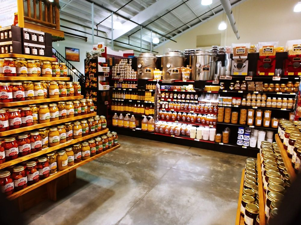 Troyers A Country Market: 5201 County Rd 77, Millersburg, OH