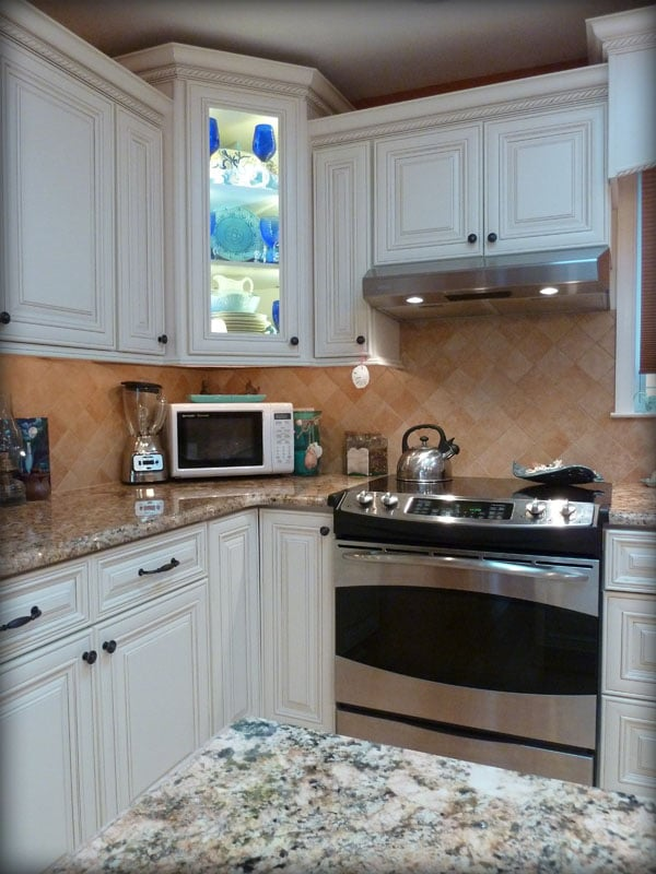 Bristol antique white kitchen cabinets by lily ann - Lily ann cabinets ...