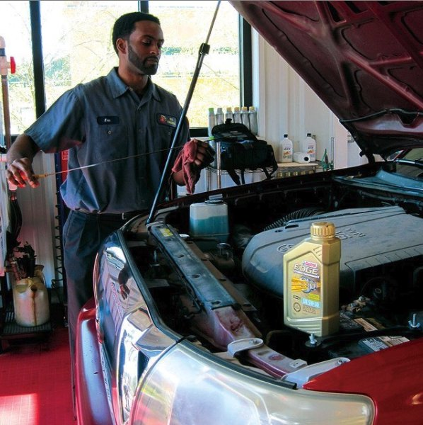 Take 5 Oil Change: 1233 W 5th Ave, Columbus, OH
