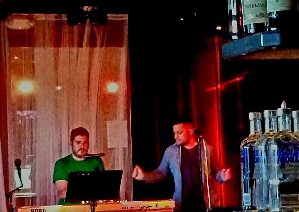 Piano Bar at Sidetrax