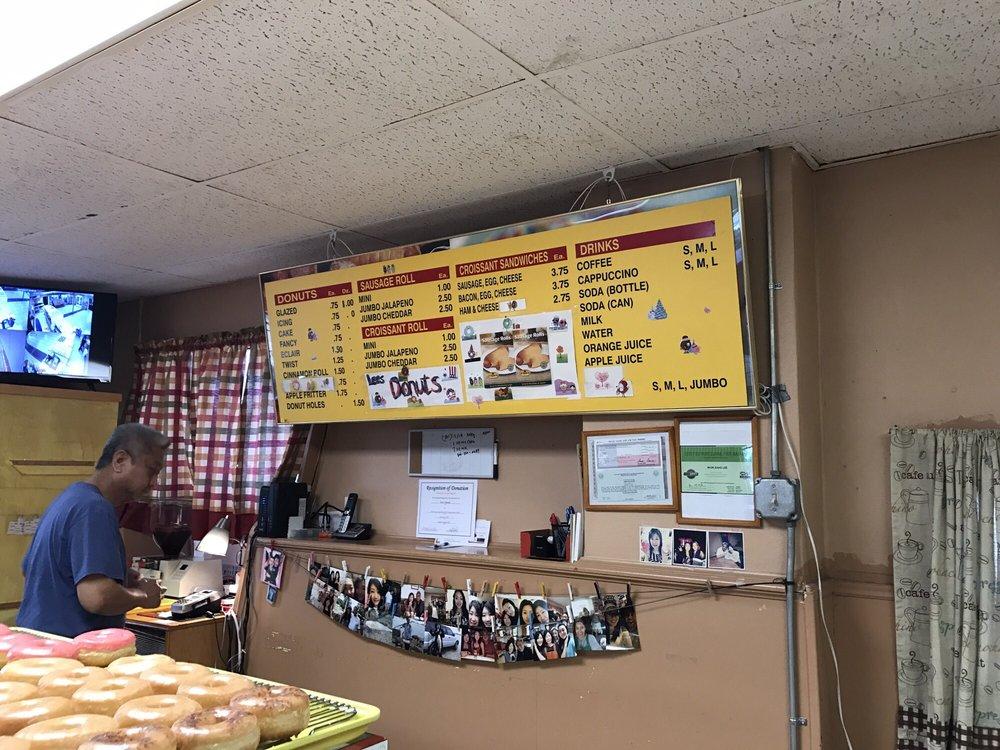 Lee's Donuts: 1002 N Cedar St, Borger, TX
