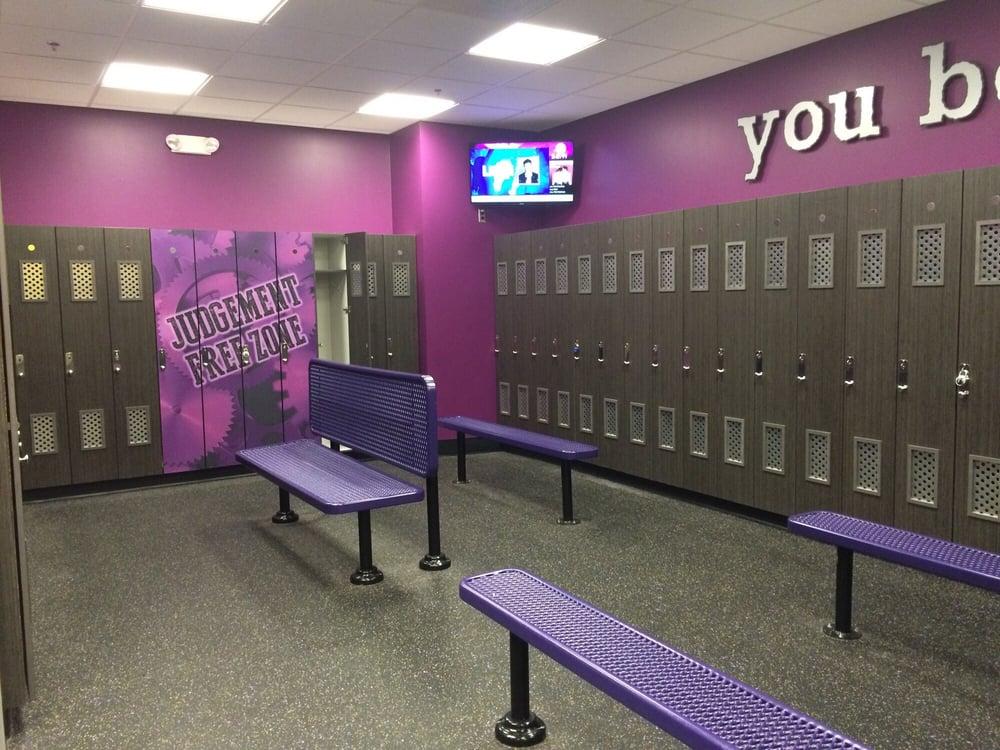 Nice big locker room yelp