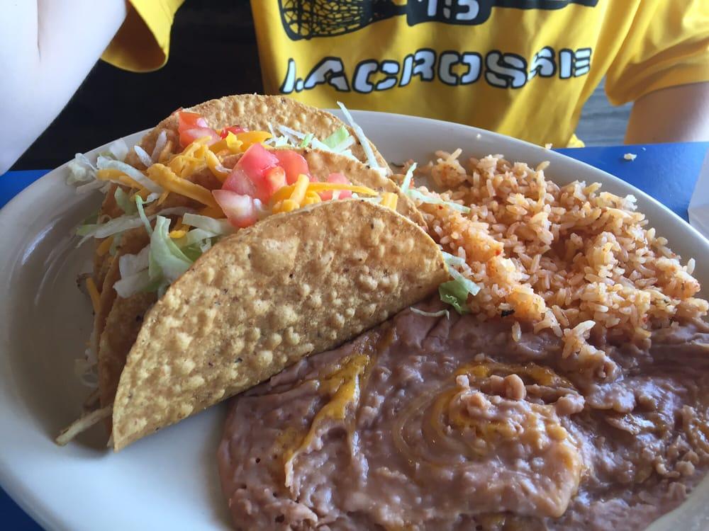 Cocina Salgado: 922 S Cedar St, Pecos, TX