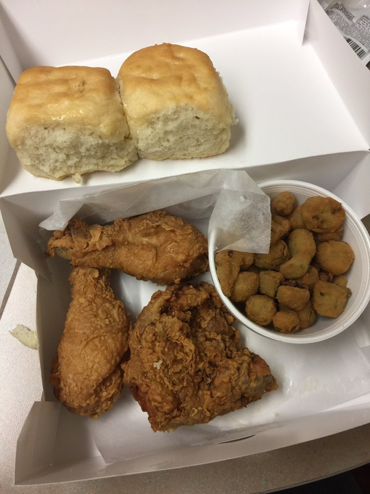 Gill s fried chicken 19 photos 48 reviews soul food for Good fried fish near me