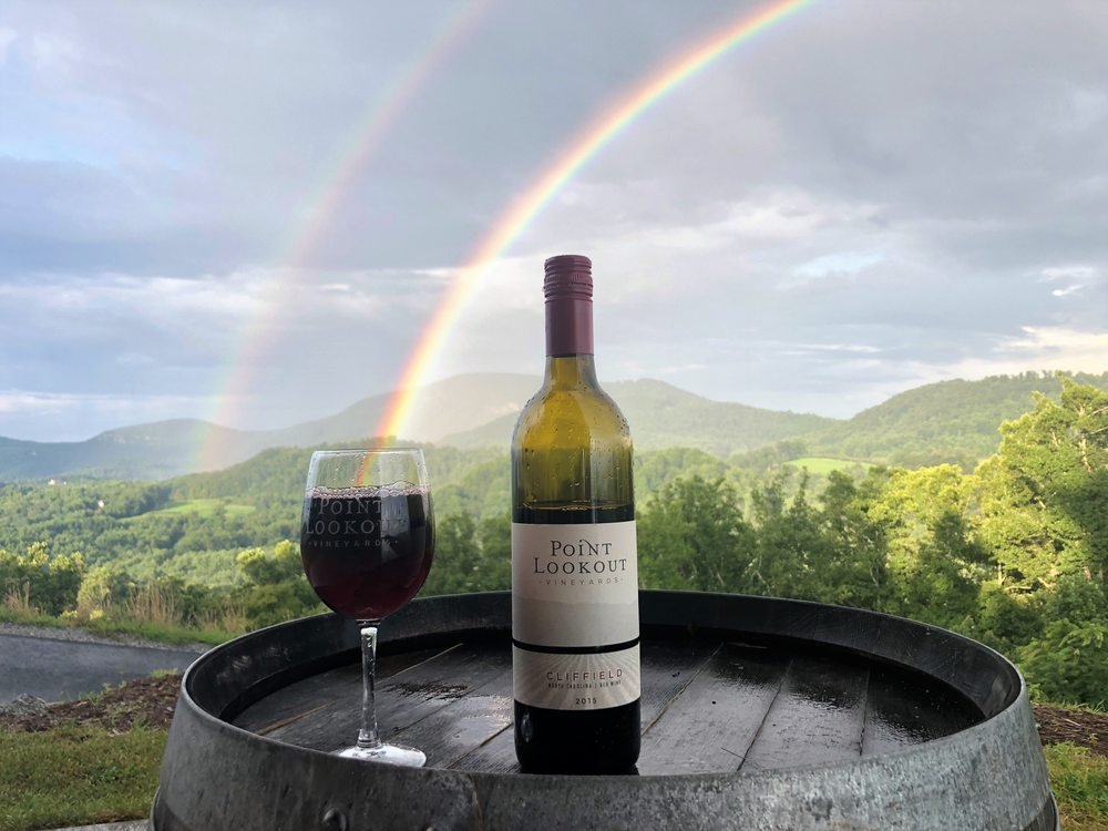 Point Lookout Vineyards: 408 Appleola Rd, Hendersonville, NC
