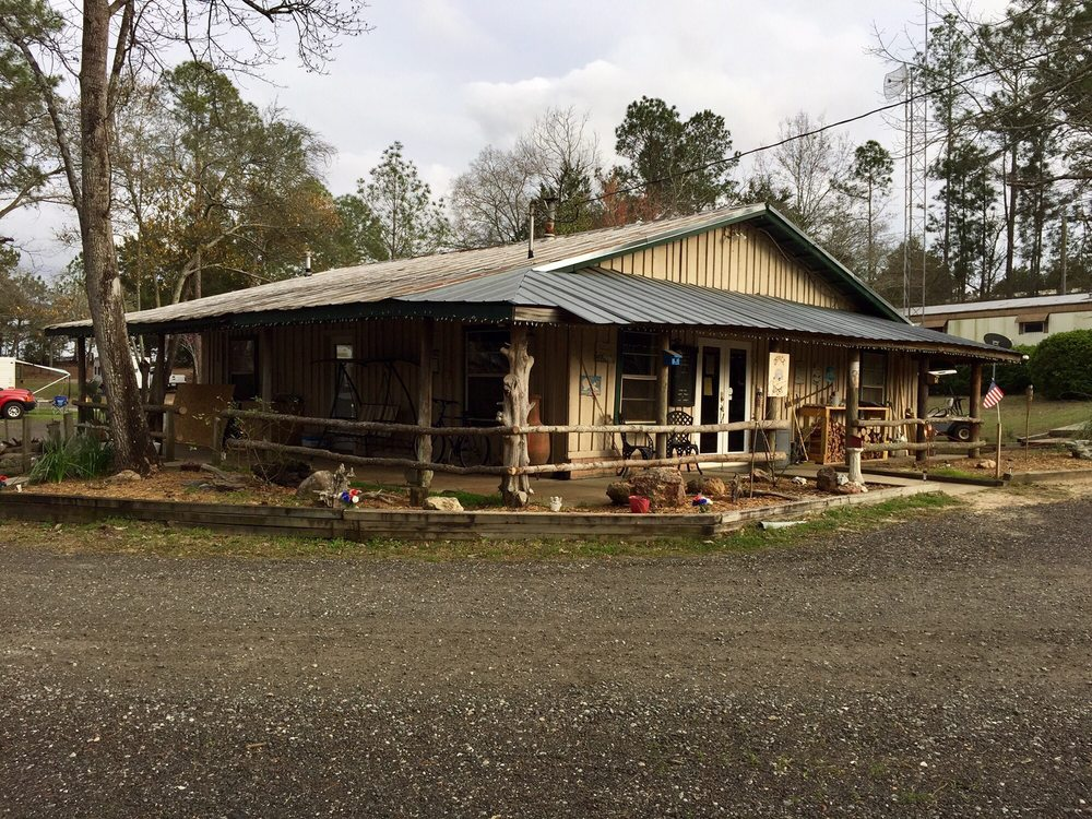 Southern Gates RV Park & Campground: 138 Campsite Rd, Arabi, GA