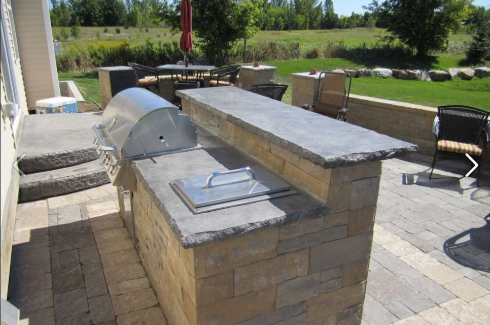 Paver Patio With A Bar And Sitting Walls Yelp