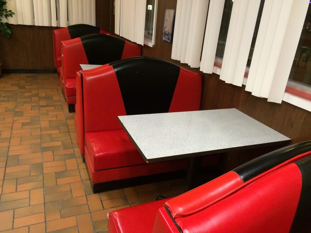 Pizza King: 1312 Main St, Lordsburg, NM