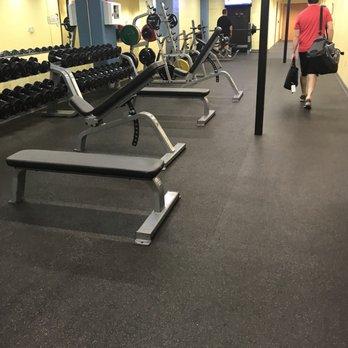 Golds gym 11 photos & 21 reviews gyms 214 e travis st