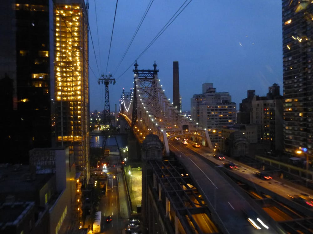 Photo of Roosevelt Island Tramway - New York, NY, United States. Roosevelt Island Tramway