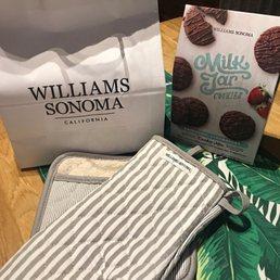 a83e87537 Photo of Williams-Sonoma - Chicago