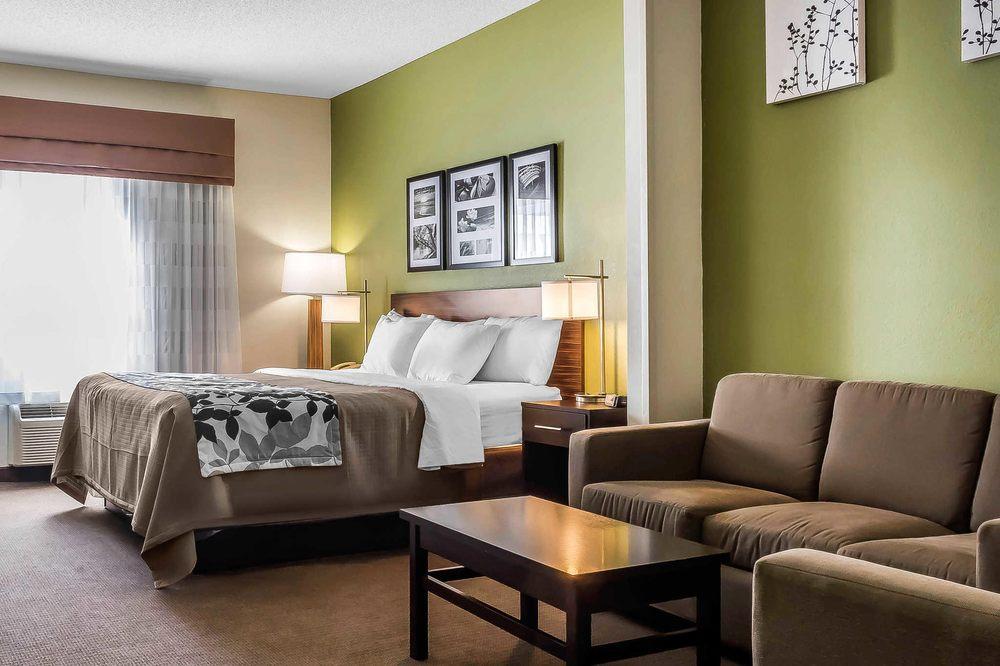 Sleep Inn & Suites Dothan North: 4654 Montgomery Hwy, Dothan, AL