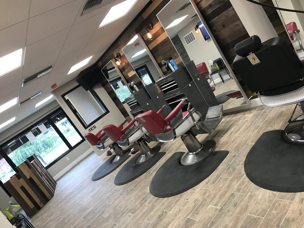 Benny's Men's Hairstyling: 2217 Darby Rd, Havertown, PA